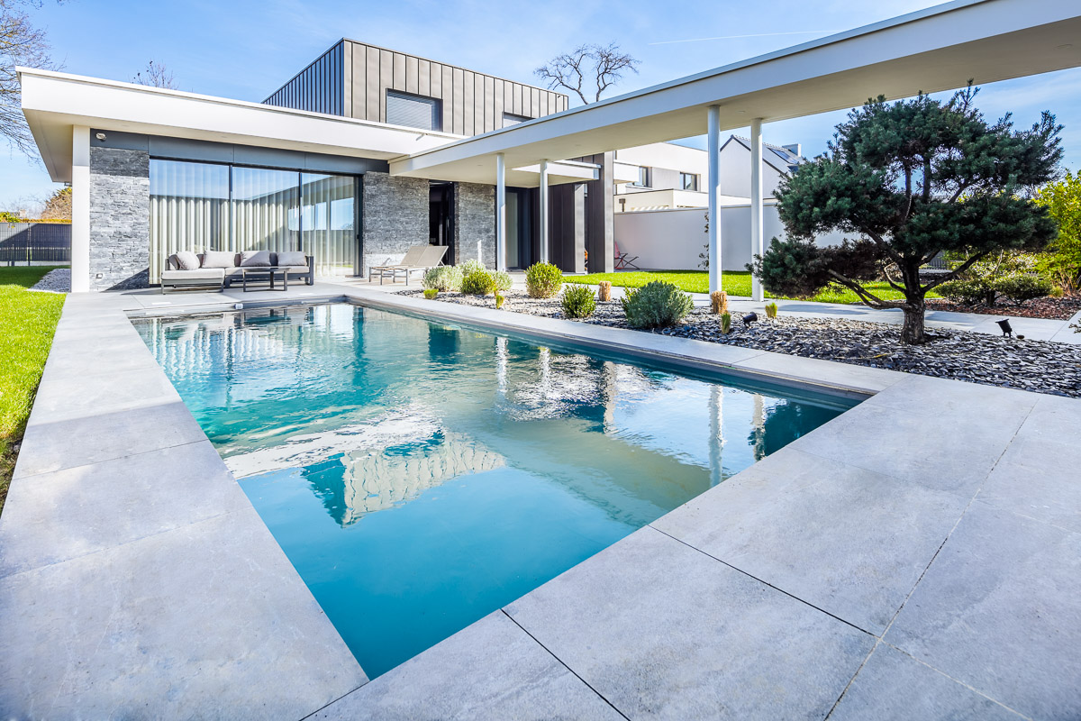 web 800p piscine-